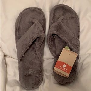 Acorn slippers grey